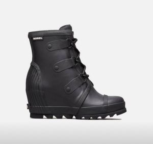 Women's Joan™ Rain Wedge Boot (Size 9) for Sale in Durham, NC