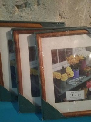 3 new frames 11 x 14 inches for Sale in Essington, PA