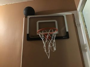 Basketball hoop comes with basketball price$30 for Sale in Queens, NY