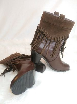 *NEVER WORN*Ladies brown cowgirl boots w/hanging fringes (size 10) for Sale in Murphy, TX