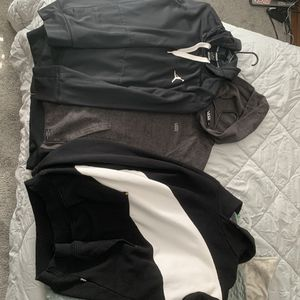 Jordan / vans / csg sweat shirts / zip up for Sale in Auburn, WA