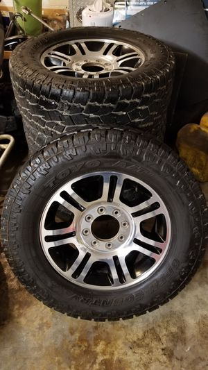 Ford Platinum Wheels with Toyo Open Country AT xtreme tires 35x12.50 for Sale in Roselle, IL