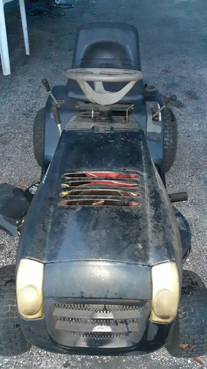 13.5 Hp Riding Lawnmower for Sale in Wesley Chapel, FL