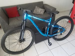 Shimano bike like new (mountain bike). for Sale in Miami, FL