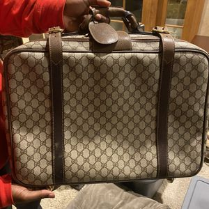 100% Authentic Gucci Bag With Lock And Key for Sale in Goodrich, MI