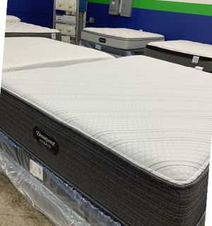 queen mattress for Sale in West Bend, WI