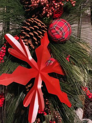 Christmas Decorations: New Door Pinecones, Berries and Plaid Swag (Set of 4) for Sale in Columbia, MD