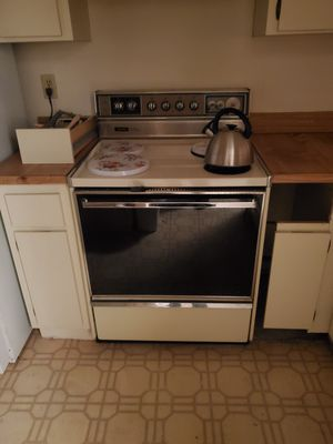 Free stove and dishwasher for Sale in Pompano Beach, FL