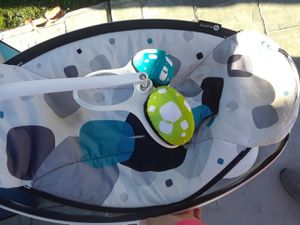 Mamaroo swing used for Sale in Chula Vista, CA