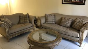 Vintage 2 piece sofa set with 3 coffee table for Sale in Miami, FL