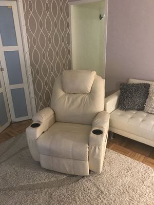 Reclining Massage Chair w/Heater for Sale in New York, NY