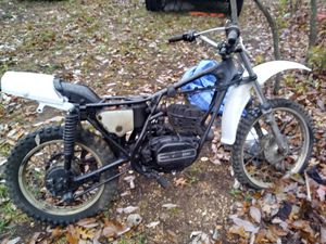 Kawasak8 250 enduro. New paint low miles. for Sale in Rolla, MO