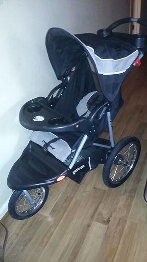 3 Wheel foldable Stroller for Sale in Milton, FL