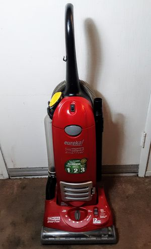 Eureka The Boss Upright Red Bagged HEPA System Vacuum Cleaner Model 4870 for Sale in Lakewood, CA