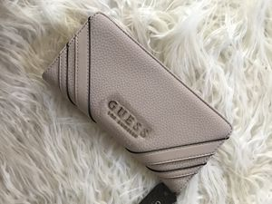 GUESS andover slim smartphone wallet for Sale in Baltimore, MD