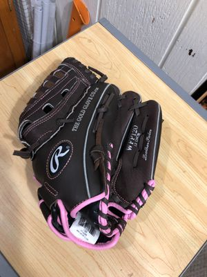 Girls softball Glove LH like brand new for Sale in Las Vegas, NV