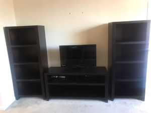 Television Stand with bookshelves for Sale in Kennesaw, GA