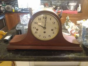 VINTAGE BULOVA KEY WIND MANTLE CLOCK WESTMINSTER CHIMES for Sale in St. Petersburg, FL