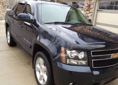 LikeNew$12OO Chevrolet O7LTZ one owner