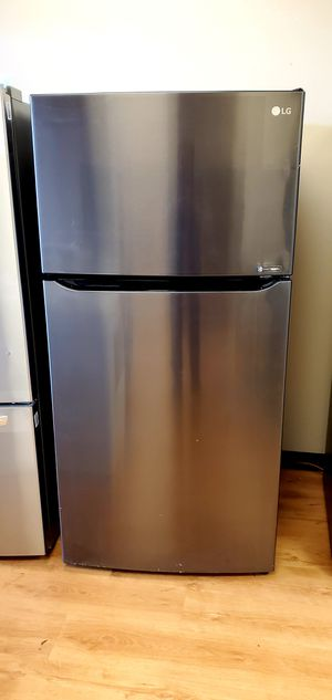 Brand new! Lg too n bottom refrigerator! for Sale in Lindenwold, NJ