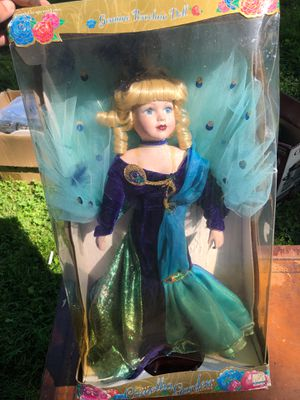 """PORCELAIN DOLL COLLECTIBLE CAMELLIA GARDEN 18"""" 1997 W/STAND & BOX for Sale in Concord, NC"""