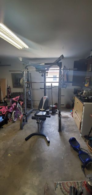 Smith machine /750lbs Dumbbells with rack for Sale in Brandon, FL