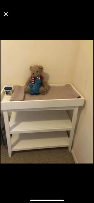 Diaper change table for Sale in Brooklyn, NY