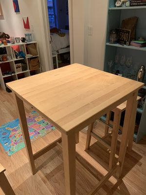 Light wood, bar height small table with two stools for Sale in San Francisco, CA