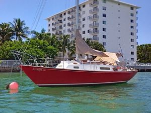 BOAT HINTERHOELLER REDWING 30 FT VERY NICE SAILBOAT.. for Sale in Miami Beach, FL