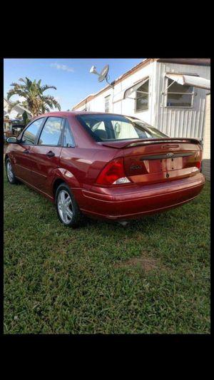 01 Ford Focus for Sale in Miami, FL