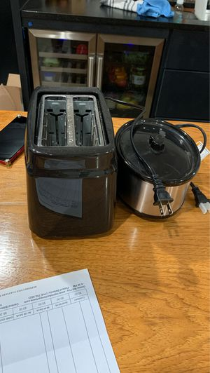 Mini crock pot and toaster for Sale in Austin, TX