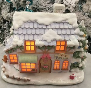 Collectible Hawthorn Precious Moments Christmas Village Precious Little Pet Shop. for Sale in Tampa, FL