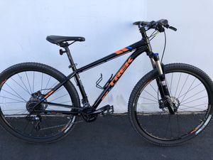Trek XCaliber 8 Mountain Bike 17.5' for Sale in Anaheim, CA