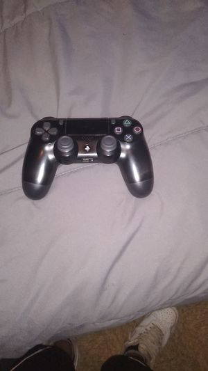 Ps4 and contoller all cords and 4 games for Sale in Burlington, NC