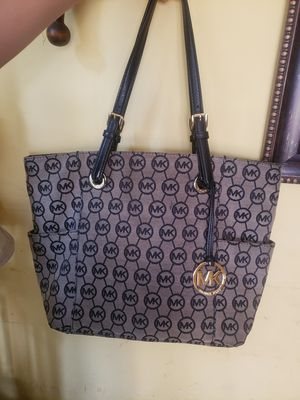 Michael Kors purse for Sale in Lynwood, CA