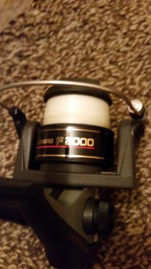 Shimano F2000 fishing reel for Sale in Fresno, CA