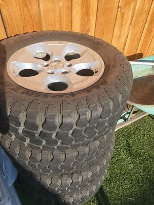 Jeep wheels and tires for Sale in Modesto, CA