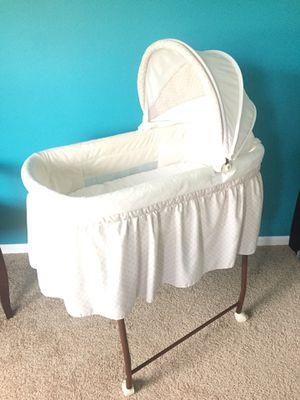 Baby bassinet for Sale in Chelan, WA