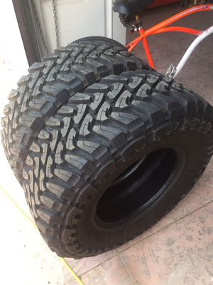 35x12.50r17 Toyo MT for Sale in Bloomington, CA