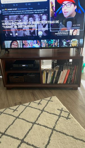 """Tv stand up to 55"""" for Sale in Tualatin, OR"""