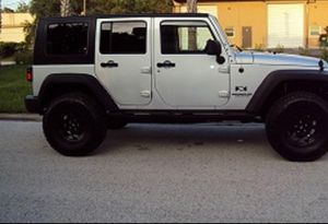 Asking$16OO Jeep Wrangler Unlimited 2OO7 CLEAN TITLE for Sale in Philadelphia, PA
