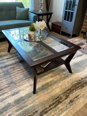 Coffee Table and 2 Side Tables for Sale in Chatsworth, CA
