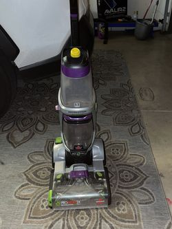 Bissel Carpet Shampooer ProHeat2x Revolution Pet Pro for Sale in Las Vegas,  NV