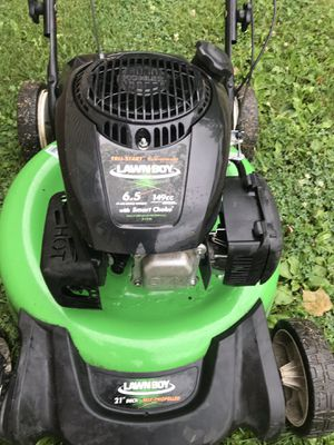 Lawn Boy mower with bagger for Sale in Elmwood, IL