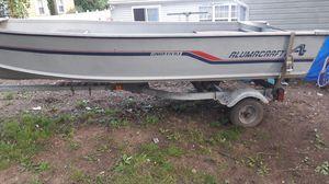 Alumacraft Lunker V14 DLX for Sale in Glen Burnie, MD