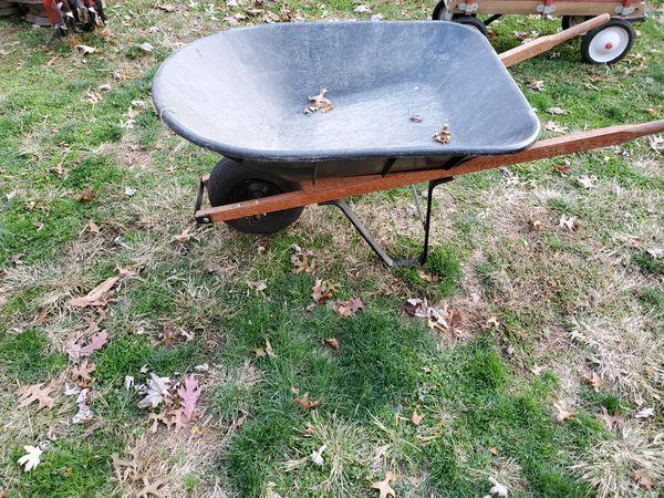 Plastic basin wheelbarrow