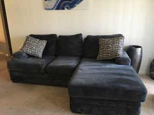 Gray fabric sectional couch for Sale in Orlando, FL
