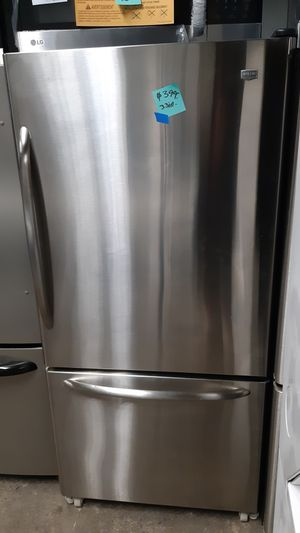 30IN. GE STAINLESS STEEL BOTTOM FREEZER FRIDGE WORKING PERFECTLY WITH 4 MONTHS WARRANTY for Sale in Baltimore, MD