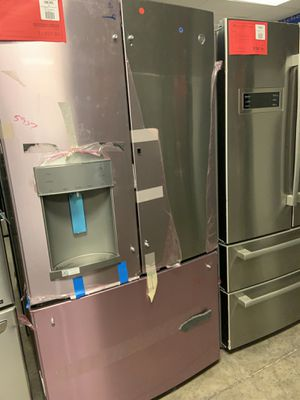 New GE Refrigerator Showcase Feature on SALE 1yr Factory Warranty for Sale in Gilbert, AZ