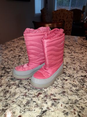 Kids Snow boots size 11 for Sale in Gig Harbor, WA